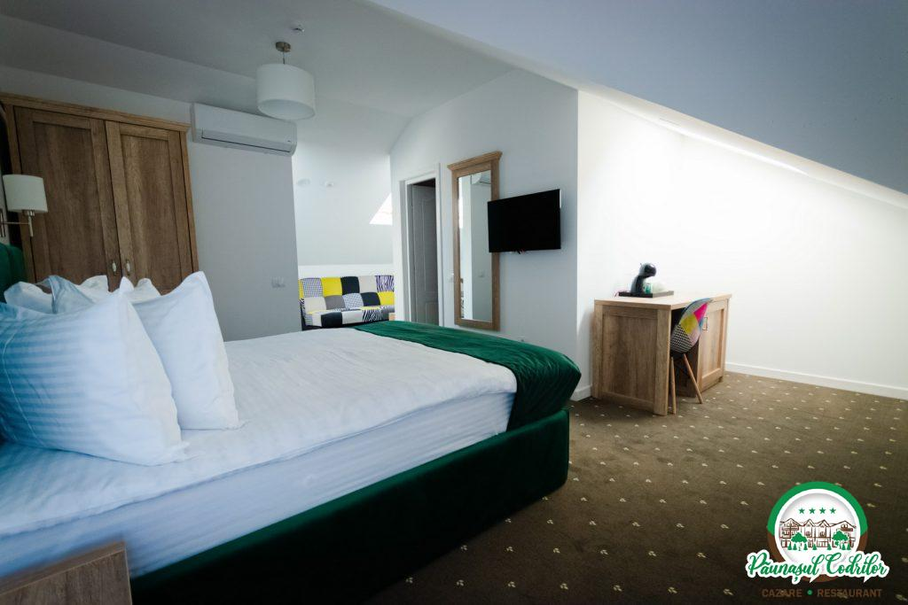 cazare motel Bucovina Campulung Moldovenesc Paunasul Codrilor