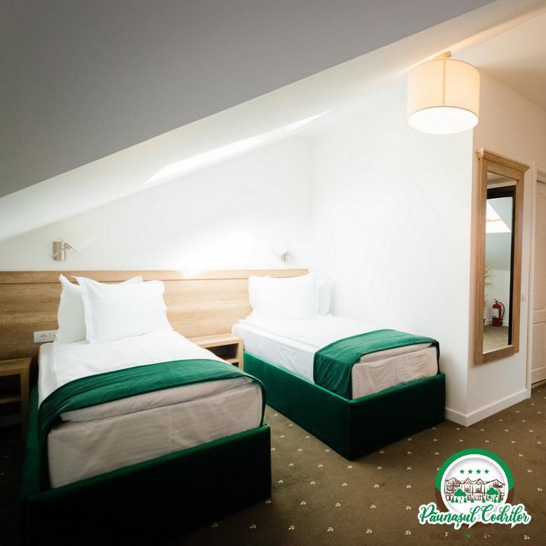 camera twin doua paturi single